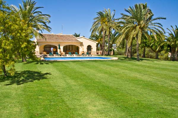 Casa Fina - 5 bedroom Javea villa rental with airconditioning