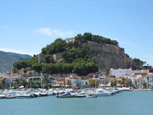 Denia castle and town pic