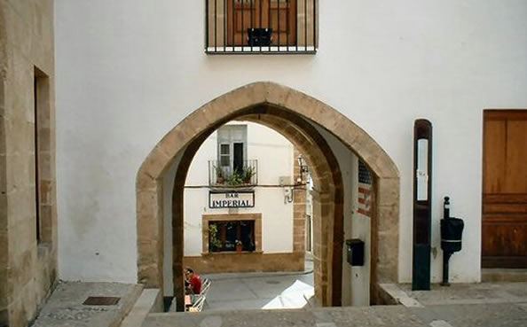 Click for info on Javea Old Town - street near Ayunatmiento leading to Bar Imperial, one of the best tapas bars in Javea